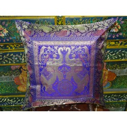 Cushion cover 2 emerald colored elephants with a brocade edge