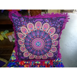 Cushion covers 40x40 cm in purple color and purple fringes