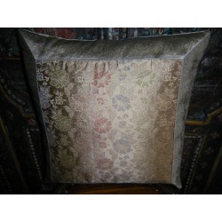 Cover large flower brocade gold / gray 40x40 cm